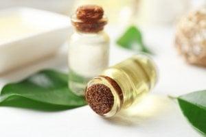 Teebaumöl desinfiziert und heilt Infekte ab