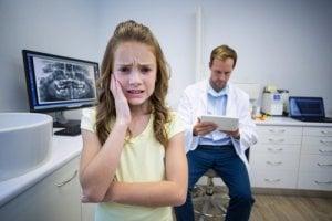 Zahnschmerzen führen uns zum Zahnarzt