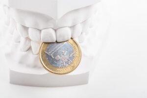 Einsparungen beim Zahnersatz in Tschechien