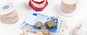 Die Ergo Direkt Zahnversicherung bietet gerade Menschen zwischen 18 und 35 Jahren sehr niedrige Beiträge an.