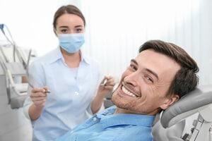 Zahnklinik in Istanbul: Erfolgreiche Zahnbehandlung