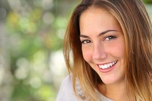 Strahlendes Lächeln gesunde Zähne
