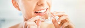 Invisalign Zahnspange: 10 Dinge, die Sie im Vorfeld wissen sollten