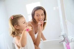 Higiene oral para la prevención de problemas dentales - inflamación de encías