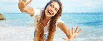 Mujer con una sonrisa perfecta