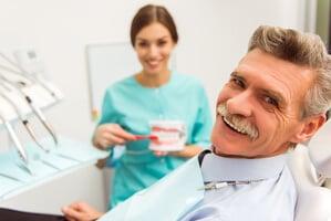 dentadura postiza en personas mayores