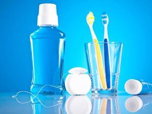 Enjuague bucal como complemento de la higiene oral