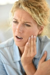 how to stop tooth pain fast