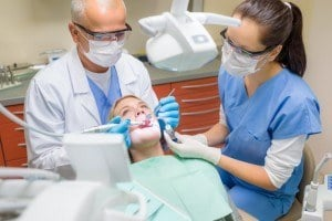 Assistance auprès du chirurgien-dentiste