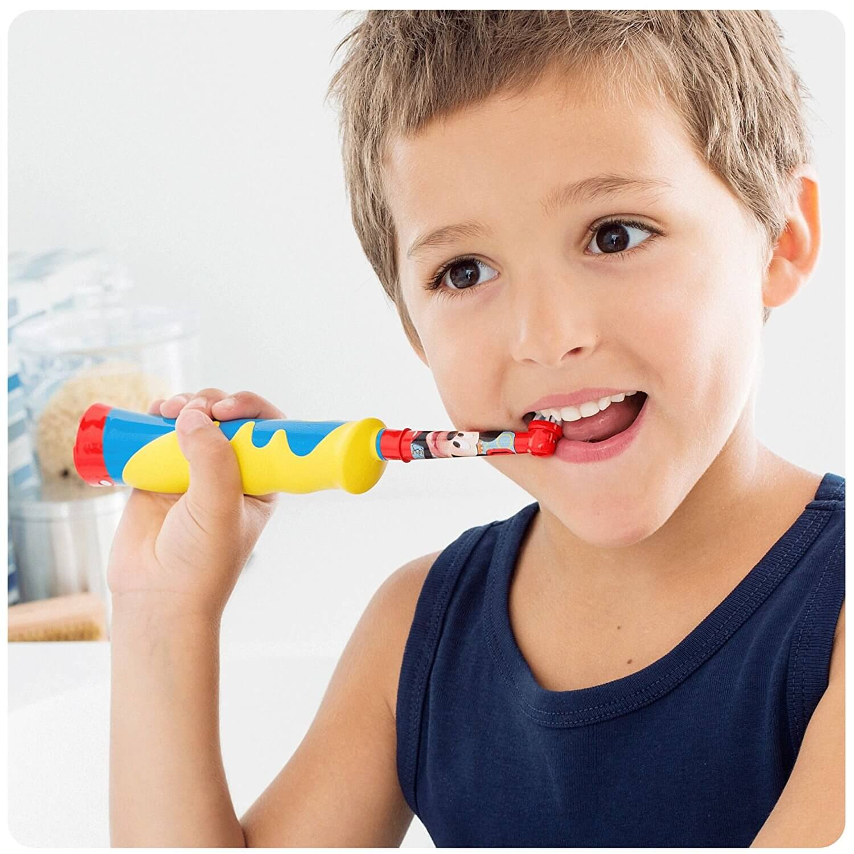 brosse dent lectriques pour enfant guide des meilleurs produits. Black Bedroom Furniture Sets. Home Design Ideas