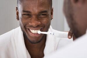 brossage de dents eléctrique