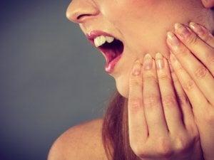 cellulite dentaire : des symptômes visibles