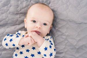 Quand bébé a mal à sa bouche