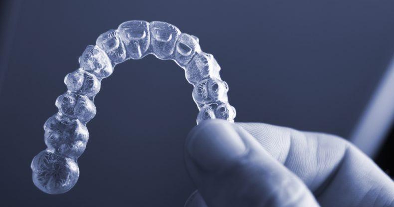 A quoi servent les élastiques dans un traitement Invisalign ?