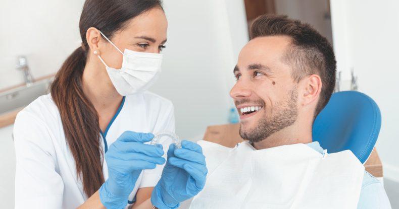 Quelle est la durée du traitement Invisalign ?